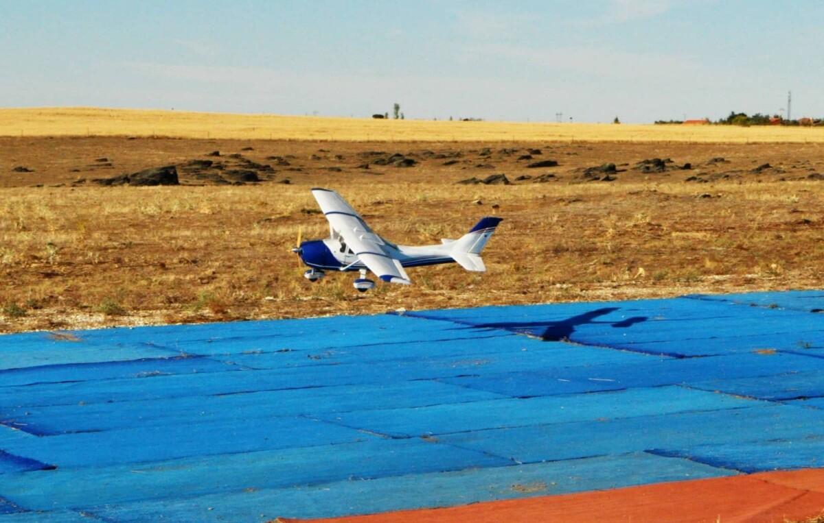 Cessna aterrizando